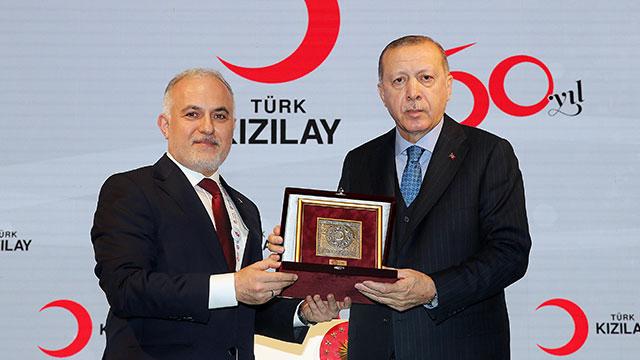 Kızılay-Kızılhaç derneklerinin İstanbul toplantısı başladı