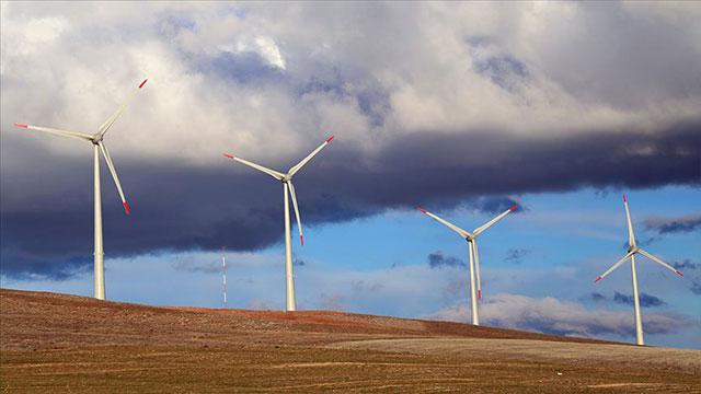 Türkiye'nin ikinci büyük rüzgar enerji santralinde rekor üretim
