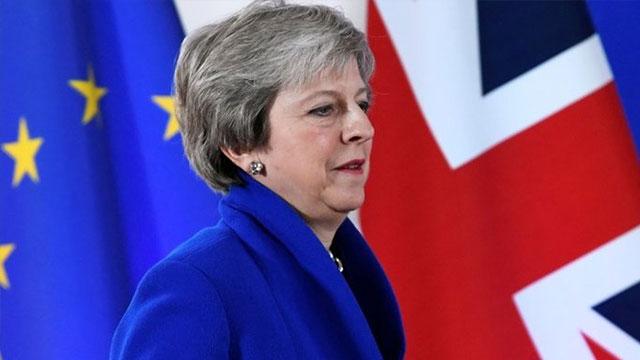 May: İngiltere AB'den anlaşmasız ayrılmayacak