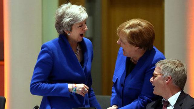 Brexit 6 ay daha ertelendi