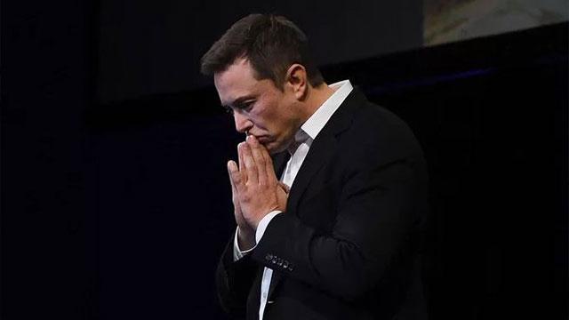 Tesla'da zarar devam ediyor