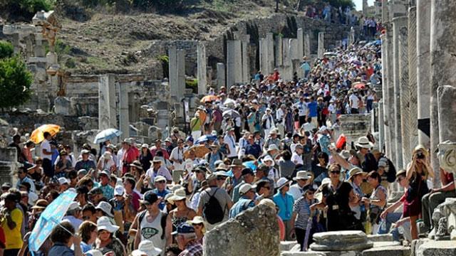 Türkiye'ye yılın ilk 4 ayında 8 milyon 735 bin 268 yabancı ziyaretçi