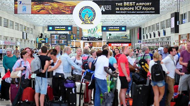 Türkiye'ye yılın 5 ayında 12 milyon 757 bini aşkın yabancı ziyaretçi geldi