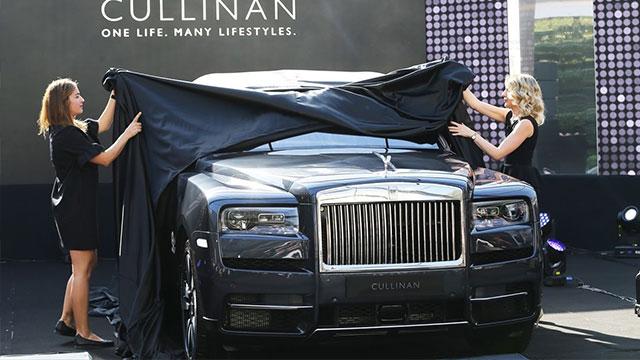 Rolls-Royce ilk SUV'u Cullinan'ı tanıttı