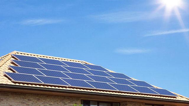 Dönmez: Çatı ve cephelerde enerji üretimi için her türlü düzenlemeyi yaptık
