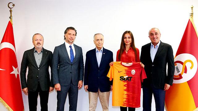 SIXT ve Magdeburger Sigorta, Galatasaray'ın forma sponsoru oldu