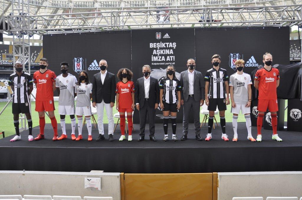 adidas ve Beşiktaş JK'dan kalplere dokunan imza