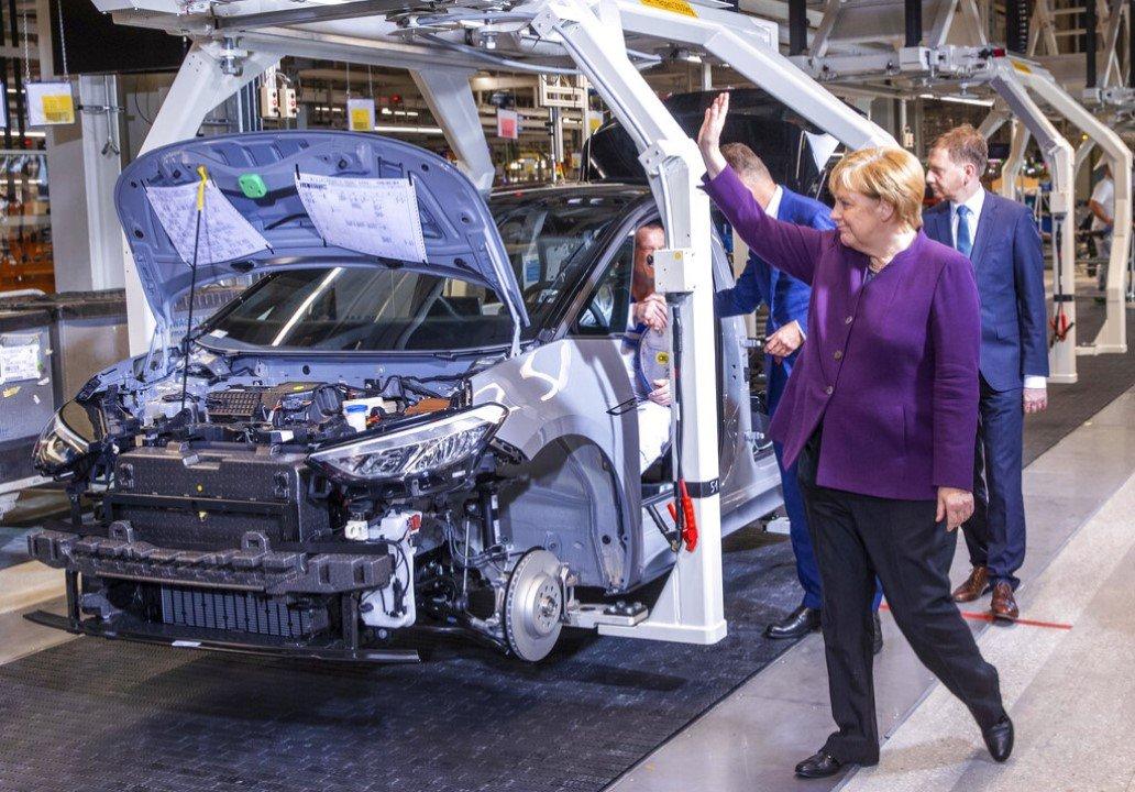 Otomotiv, Alman ekonomisindeki lokomotifi rolünü kaybediyor