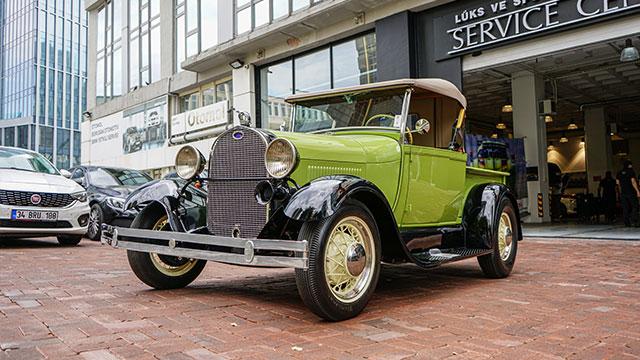 Klasik otomobiller Yeniköy Motors'ta buluştu