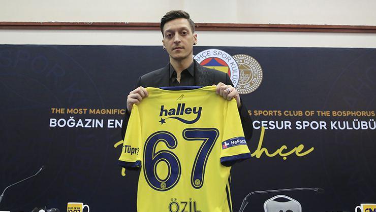 """Mesut Özil marka transfer oldu"""
