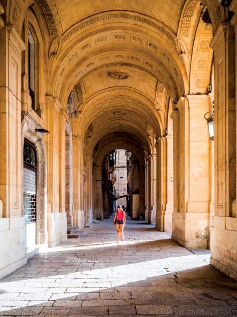 <p>Manoel Tiyatrosu ve Ulusal Kütüphane de görülecek diğeryerler arasında ilk sırada yer alıyor.</p>