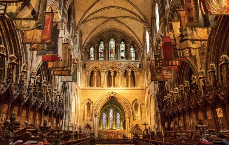 <p>İrlanda Kilisesi'nin ve Roma Başpiskoposluğu'nun İrlanda ikametgahı olarak kabul edilen katedral, şehrin en eski dini yapısı hem de benzerleri arasında ülkenin en büyüğü olma özelliğini taşıyor.</p>