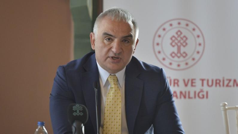 """""""17 Mayıs'ta vaka sayıları 5 binin altına inecek"""""""