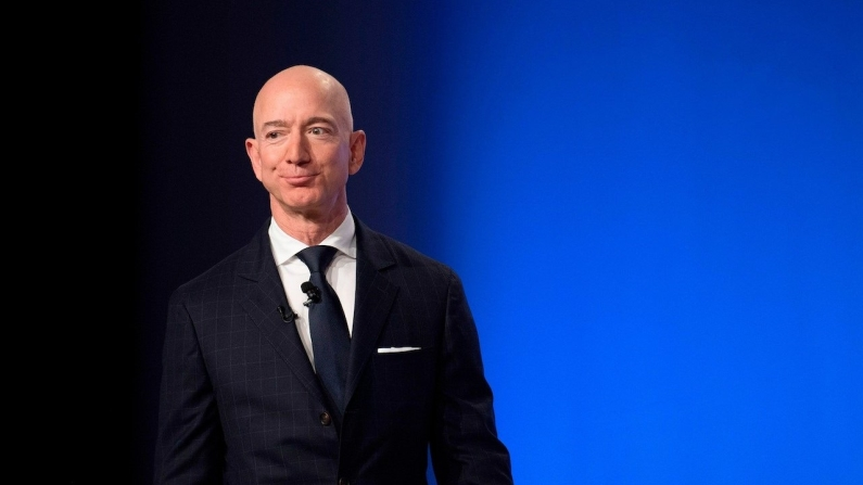 Jeff Bezos'tan dev hisse satışı