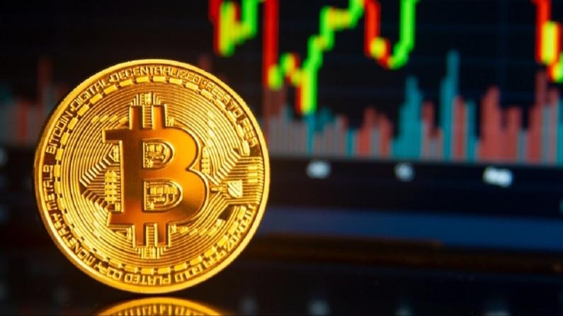 Bitcoin son 24 saatte yüzde 30 yükseldi