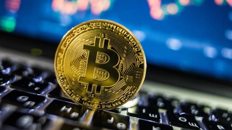 Bitcoin'e Çin ve ABD darbesi