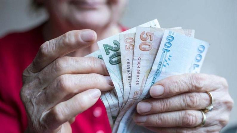 SGK açıkladı: Prim borcu olana kredi ile emeklilik imkanı