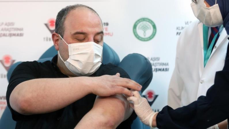 Varank: Yerli aşıda hiçbir yan etki görülmedi