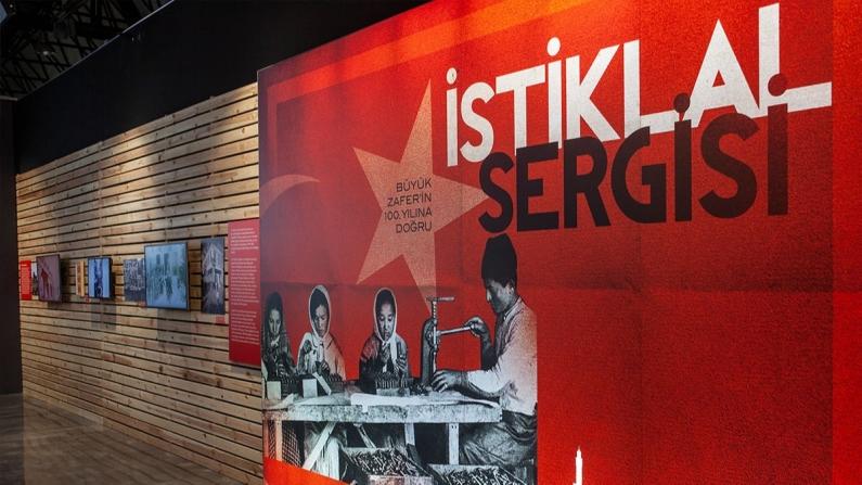 """İş Bankası """"İstiklal"""" sergisi İzmir'de"""