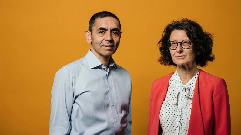 Uğur Şahin ve Dr. Özlem Türeci, Eczacıbaşı Tıp Onur Ödülü'ne layık görüldü