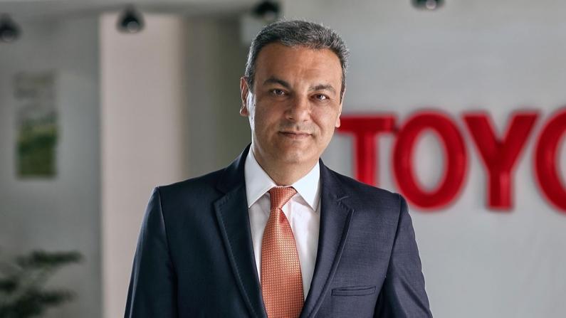 """""""Toyota yalnızca otomobil markası değil, artık bir mobilite şirketine dönüşme yolunda ilerliyor"""""""