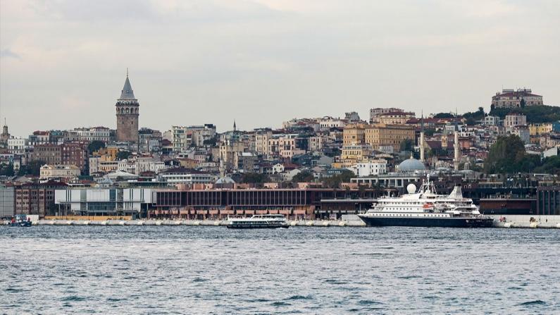 Galataport'a ilk gemi yanaştı