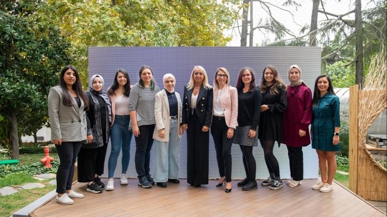 Teknolojide Kadın Derneği, 62 kadına yapay zekâ eğitimi verecek