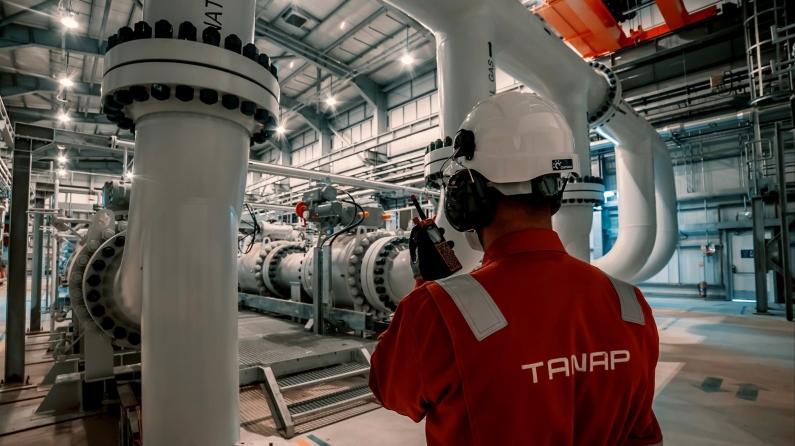 Azerbaycan ile ilave doğalgaz için anlaşma imzalandı